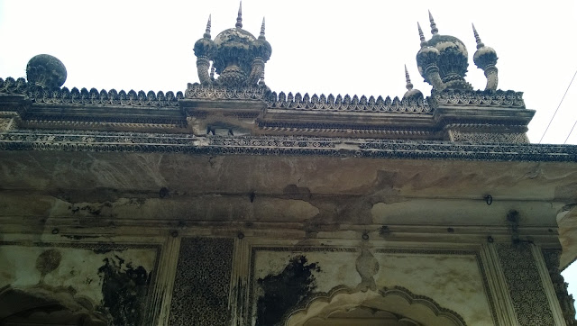 Take a closer look at the stucco work and you will come to know of the artistic style of the paigah tombs of this great city hyderabad