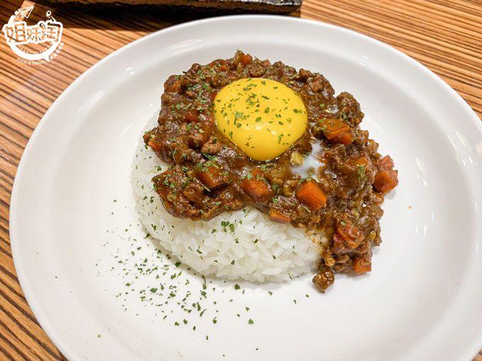 超有特色的乾咖哩你吃過了嗎!只要銅板價就能吃到乾咖哩-天狗咖哩家