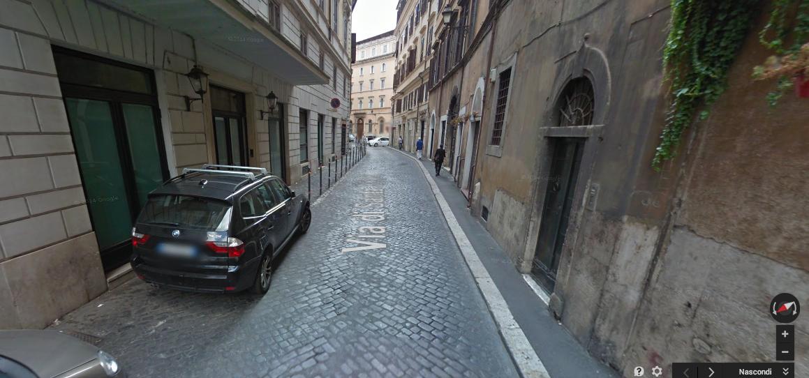 Roma fa schifo tutta una faccenda di arredo urbano for Arredo urbano roma