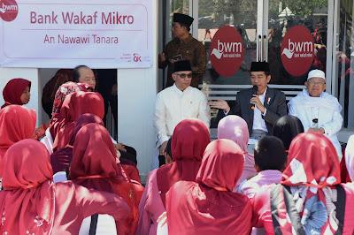Presiden Jokowi Berharap Bank Wakaf Mikro Ada di Seluruh Pesantren - Info Presiden Jokowi Dan Pemerintah