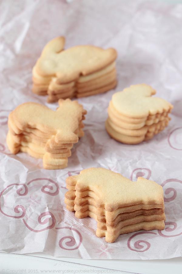 wielkanocne lukrowane ciasteczka kardamonowe