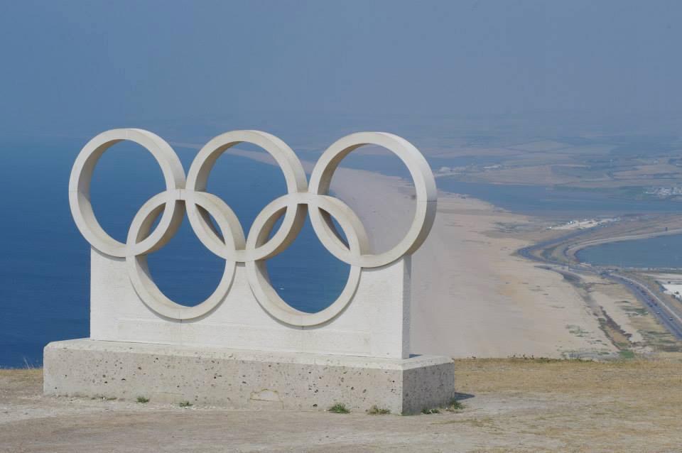 Olympic rings \ Chesil beach \ Portland \ Dorset