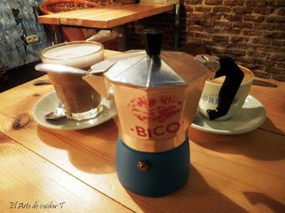 Original manera de presentar el azúcar. Café en Café do Bico
