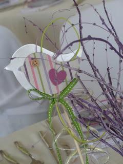 υφασμάτινο και μεταλλικό πουλάκι σε στικ