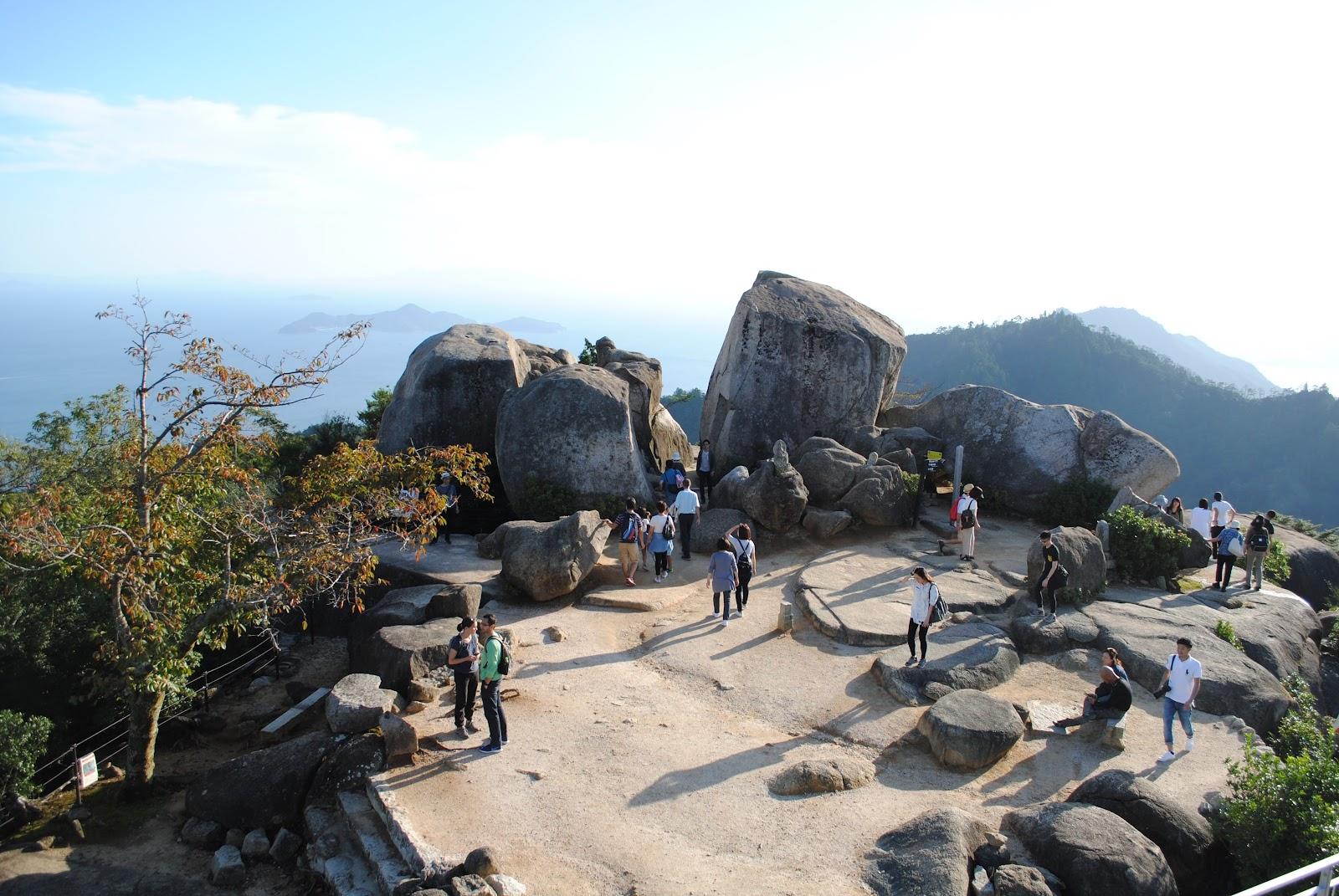 how to get to isukushim miyajima island