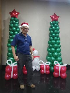 Balon dekorasi bentuk pohon natal