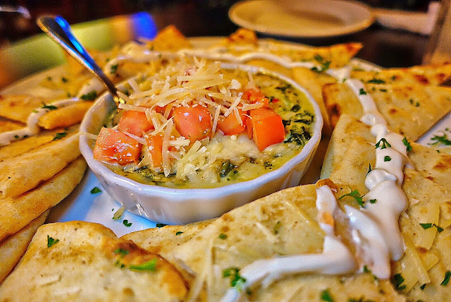 Spinach and Artichoke Dip at Molly McPherson's in Savannah, GA - the best I've ever eaten!