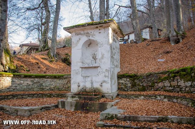 Чешма - манастир Св. Ана во близина  на село Маловиште