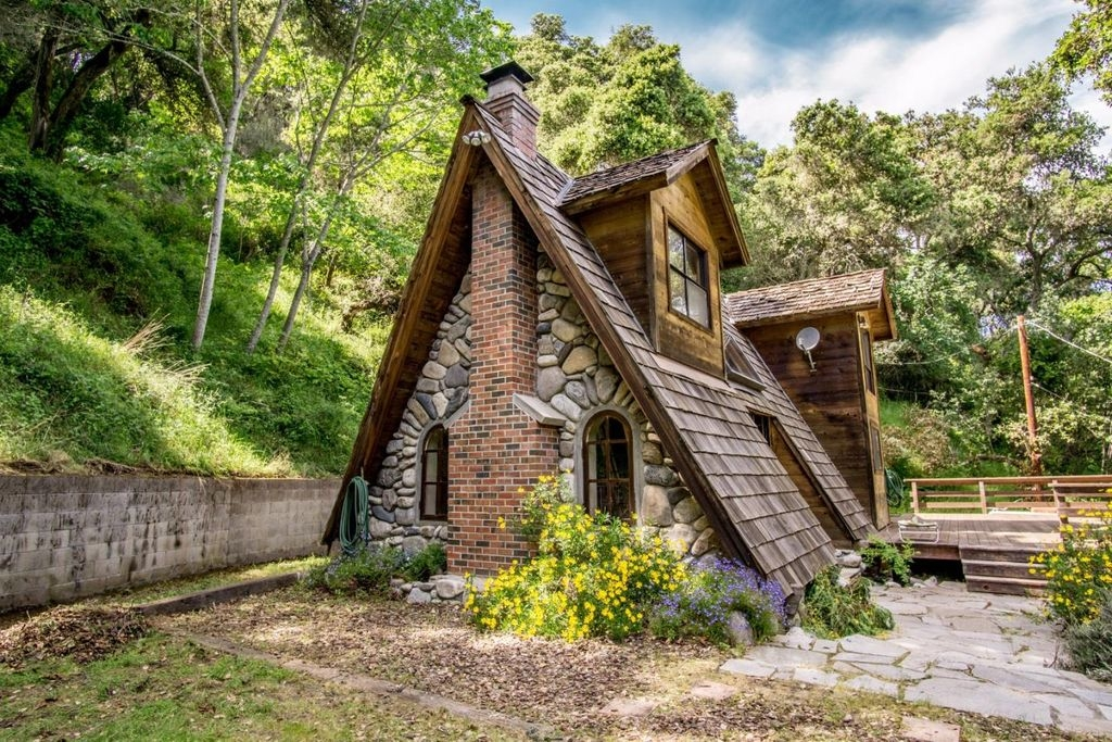 01-Architecture-with-the-Tiny-A-Frame-House-www-designstack-co