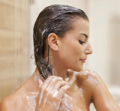 lavar o cabelo de manha ou a noite