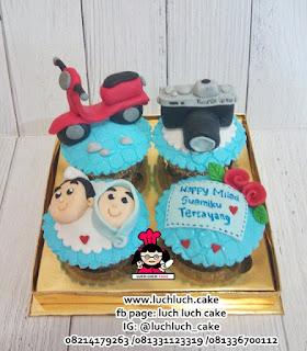 Cupcake Ulang Tahun Tema Motor dan Kamera