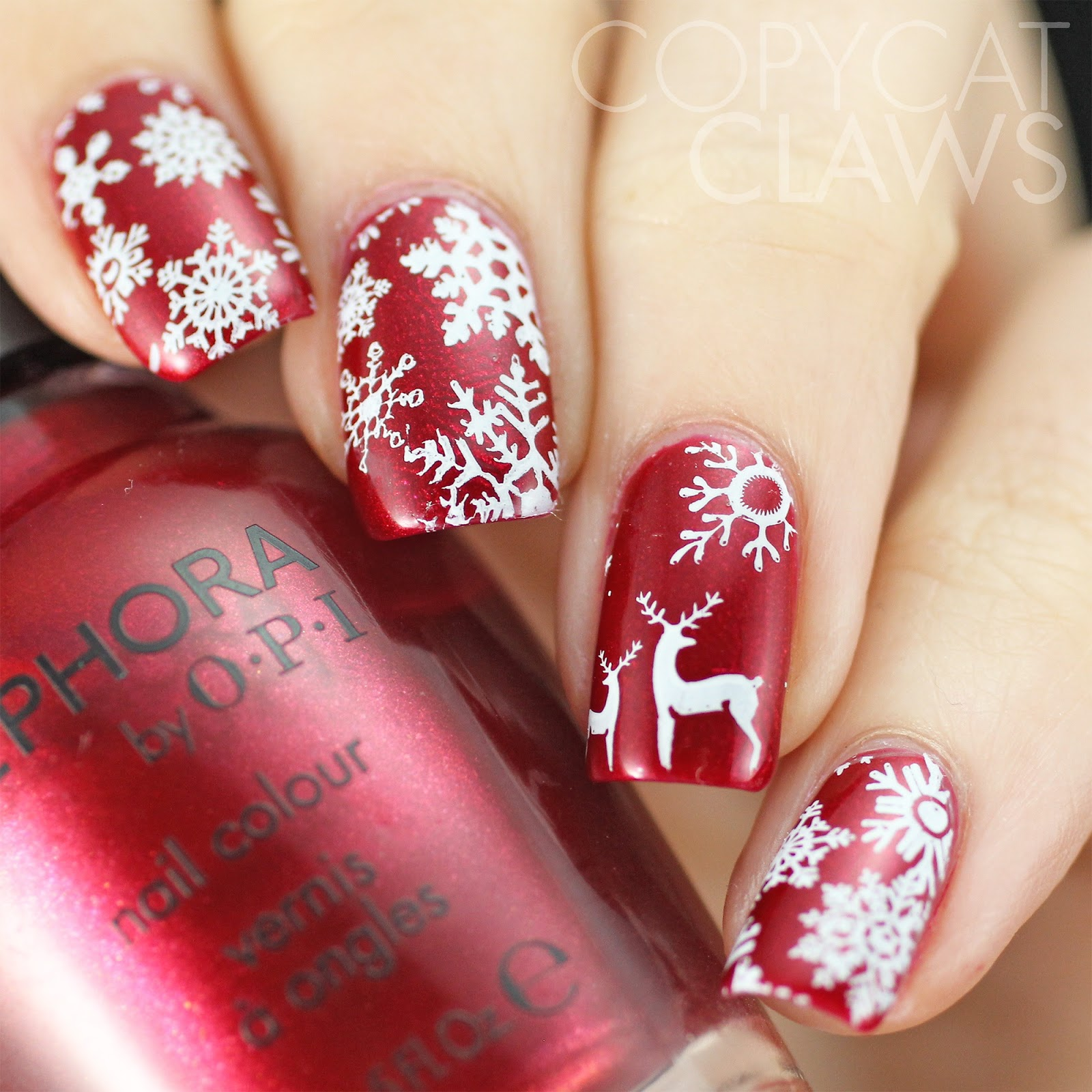 Copycat claws simple christmas nails a very merry holiday to you and yours i hope you can surround yourself with love and fun and good feelings and stay safe solutioingenieria Image collections