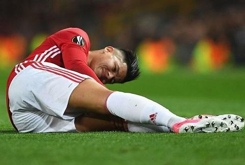 Rojo bất lực vì thường xuyên gặp chấn thương