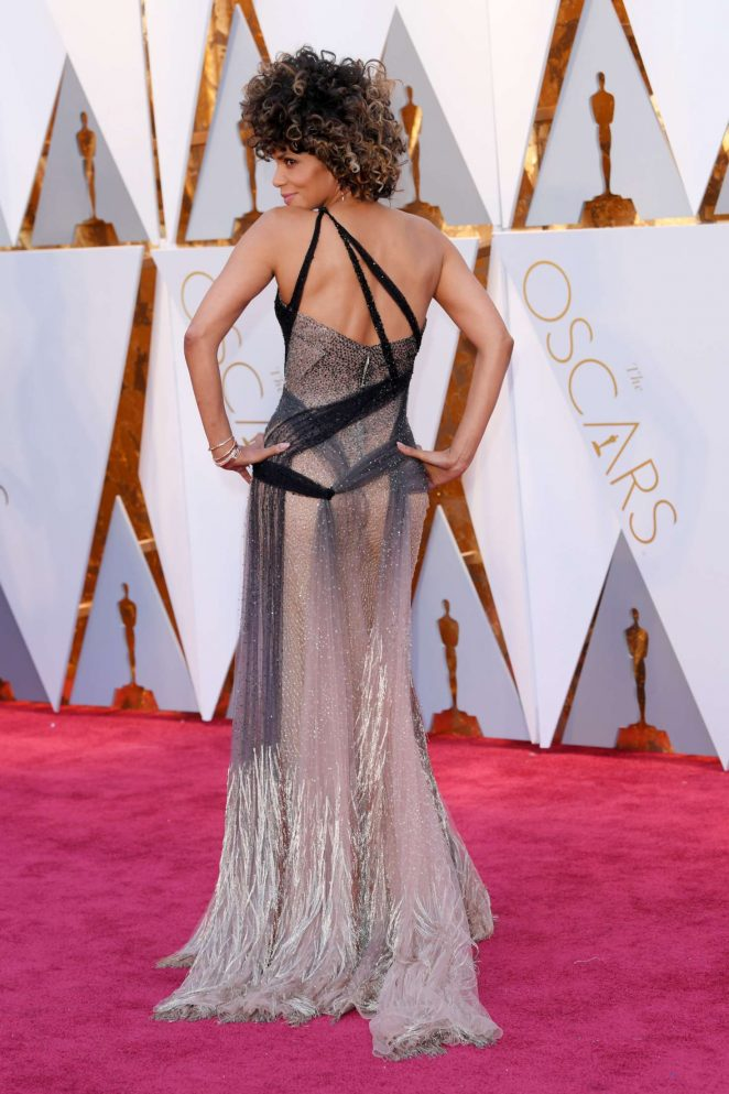 Halle Berry – 2017 Academy Awards in Hollywood