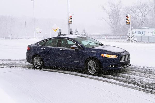 Ford Mondeo híbrido autónomo