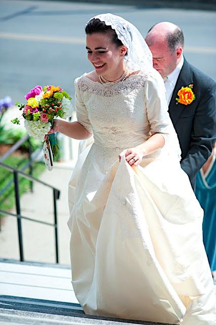 锄柄的婚纱故事。
