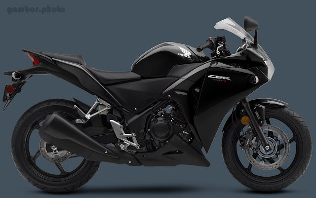 New Honda CBR250R black