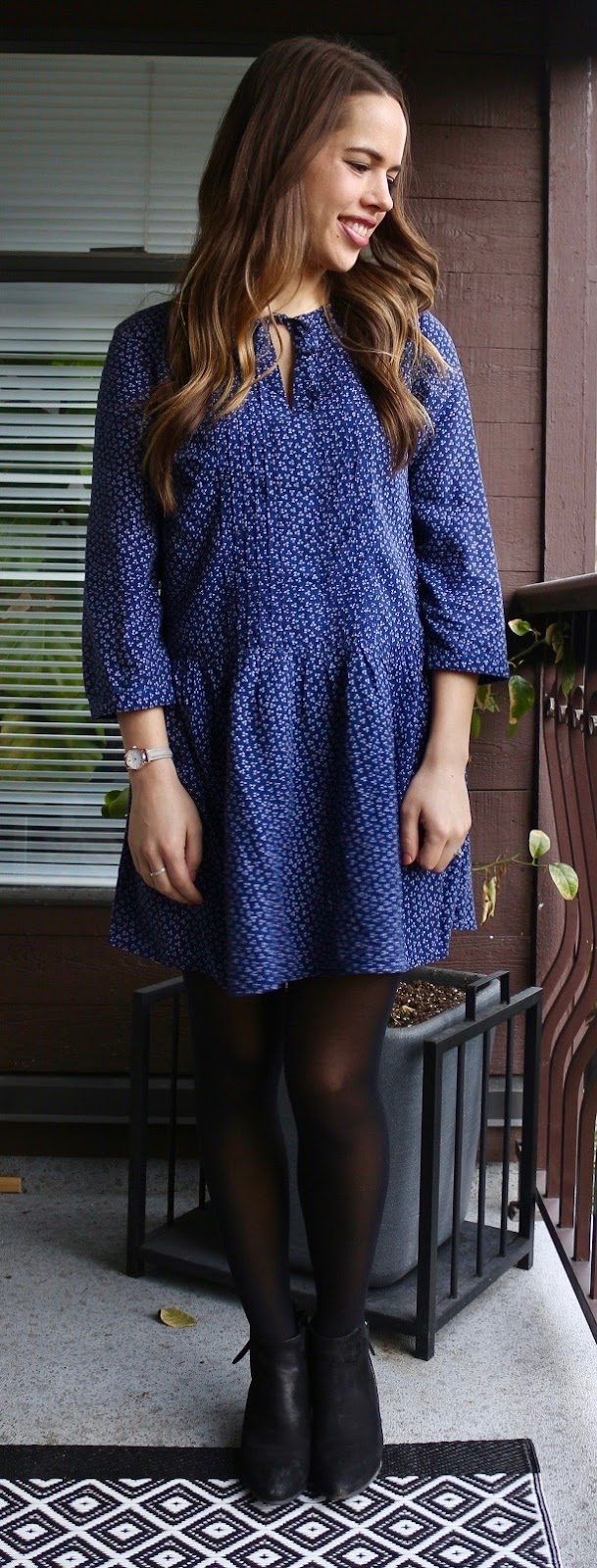 Jules in Flats - Old Navy Pleated Tie-Neck Dress in Blue Print