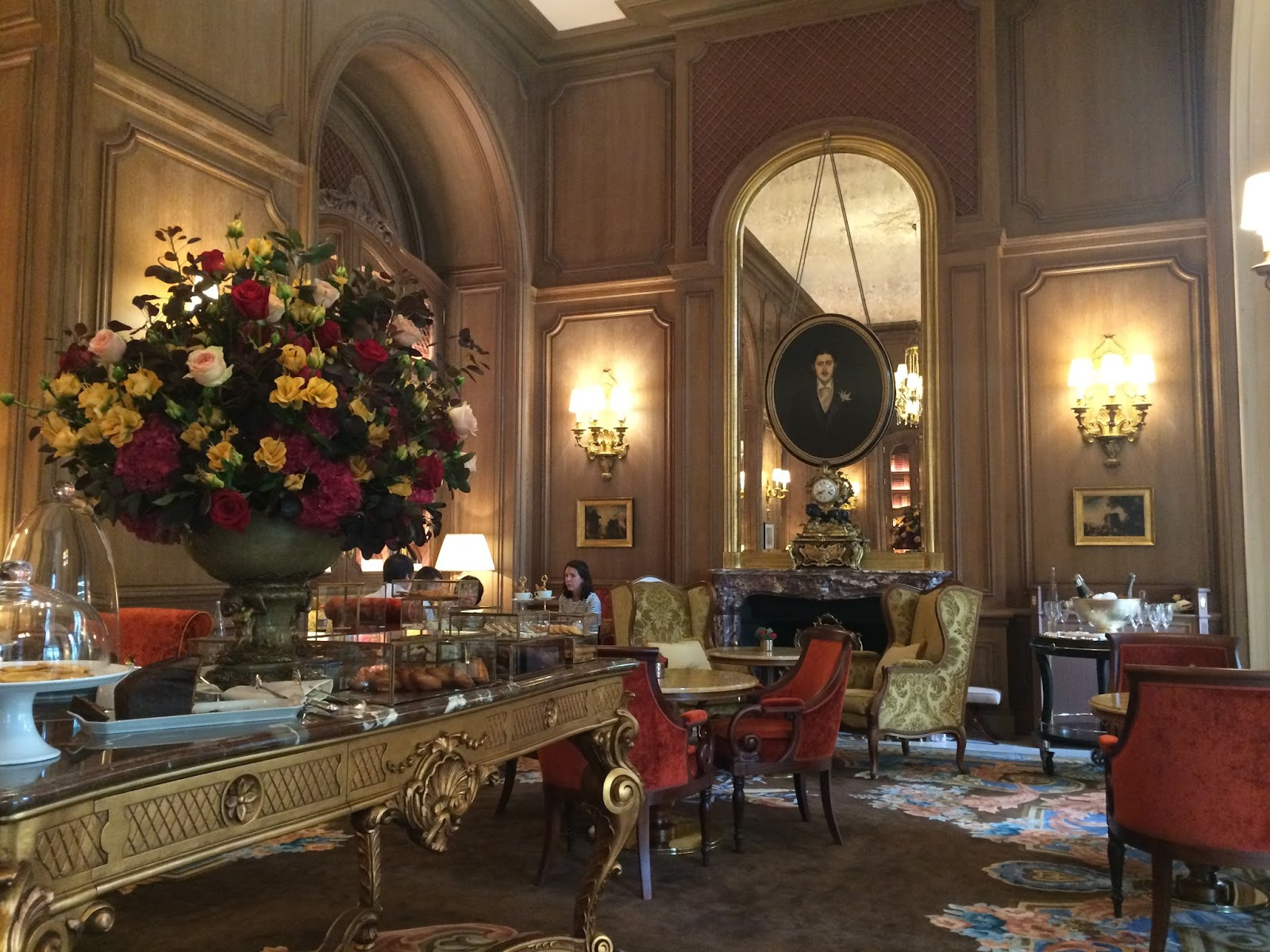Say oui to paris french afternoon tea at the ritz for Salon cuisine paris