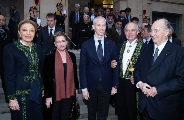 The Grand Duchess was received as guest of honor by Frederic Mitterrand. Farah Pahlavi and Karim Aga Khan were present at the event