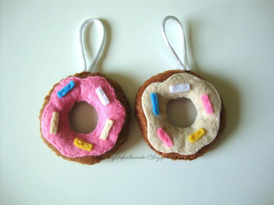 Mini donuts de fieltro para llaveros