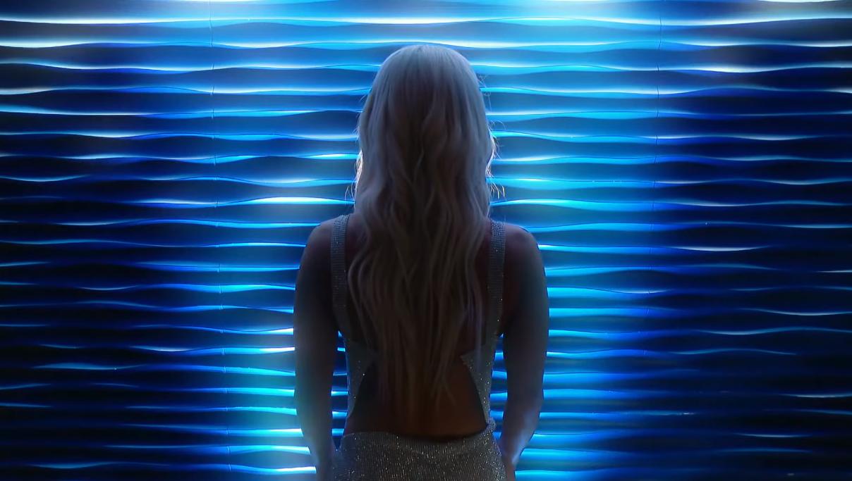 Revelada a identidade da mulher misteriosa do SmackDown