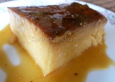 Flan de requesón con salsa kiwi porción