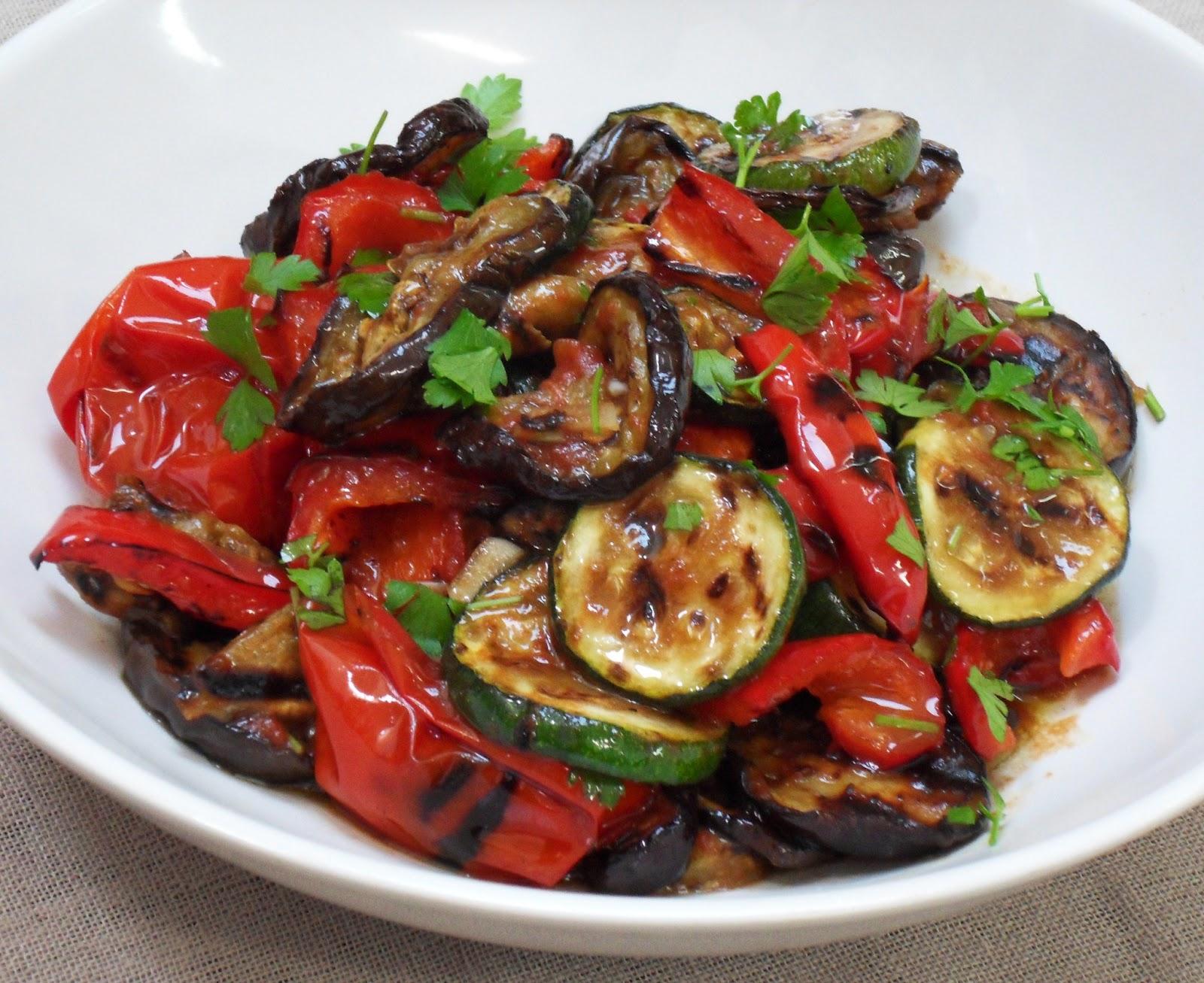 diana 39 s cook blog salade m diterran enne de courgettes aubergines et poivrons grill s. Black Bedroom Furniture Sets. Home Design Ideas