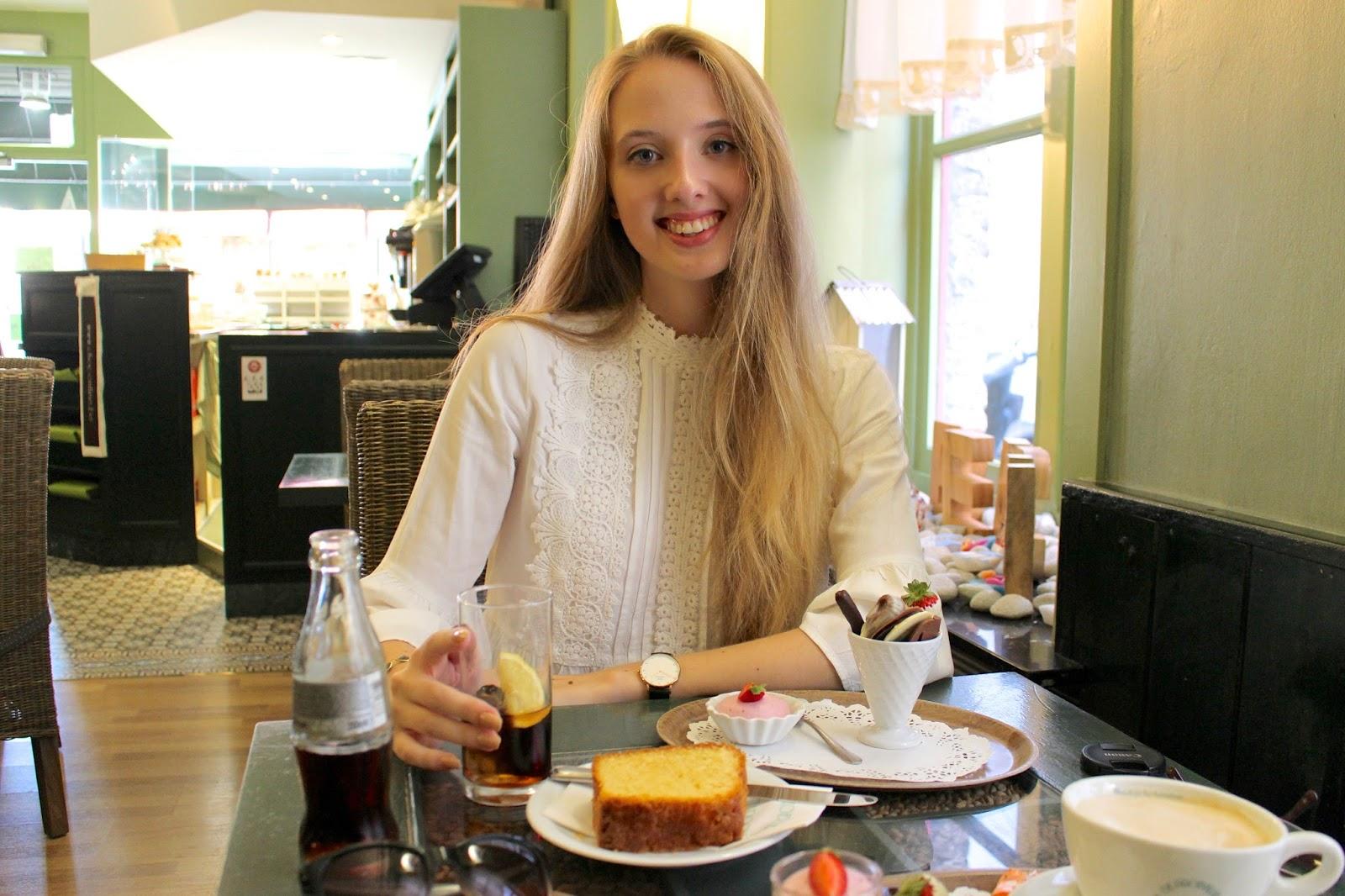 Tea-room De Proeverie Bruges travel blog review