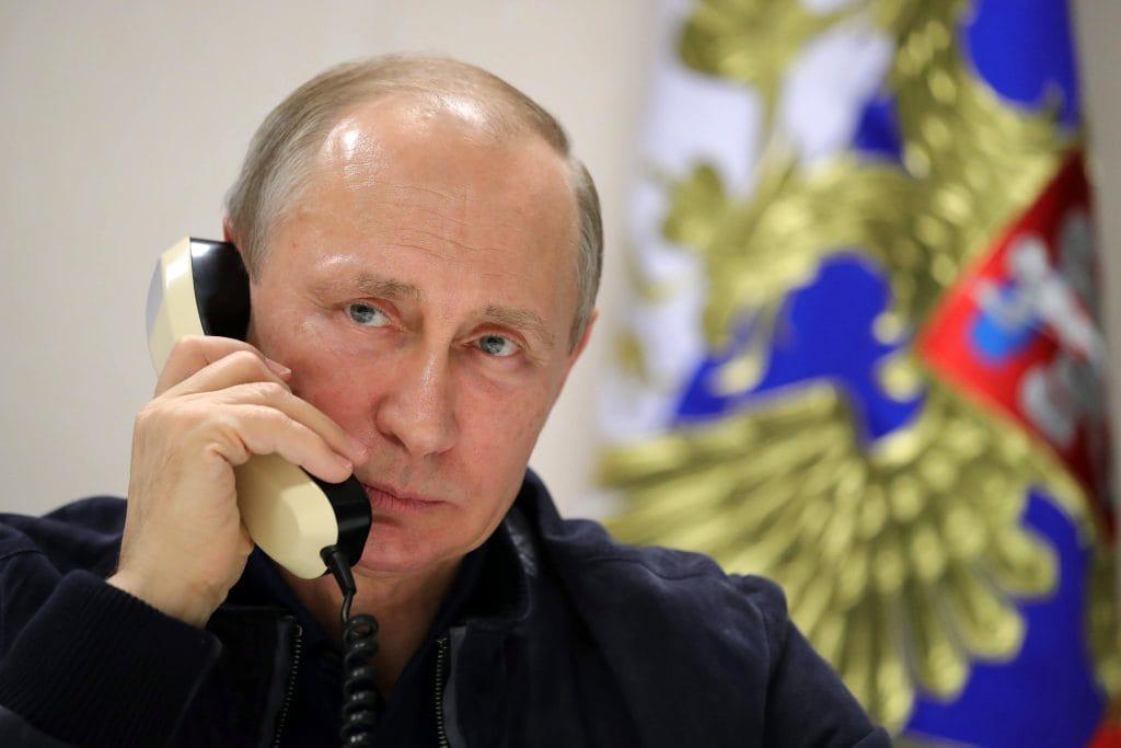 Bildergebnis für Putin hat kein Smartphone