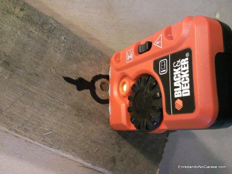 Pequeño detector de metales para detectar clavos, enredandonogaraxe.com