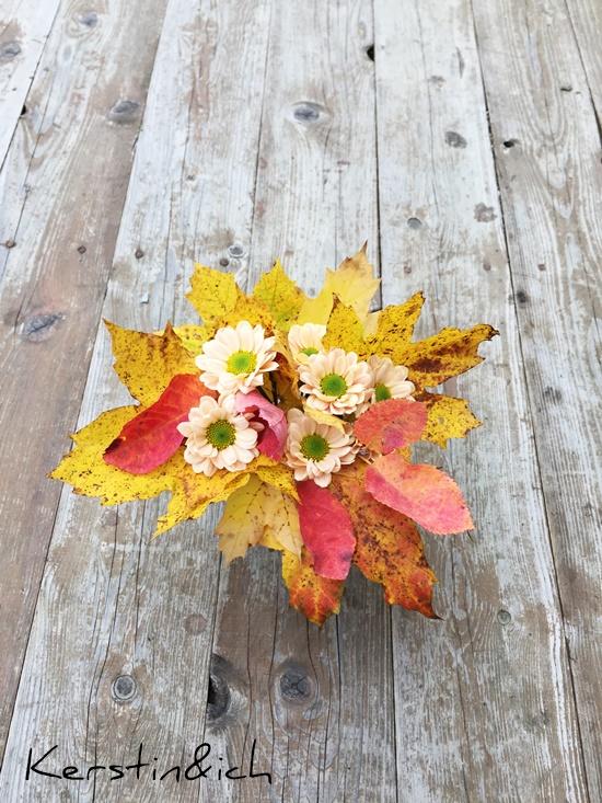 Blumen Herbst Deko Blätter Strauß