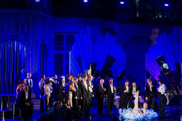 Didi Derriere & chorus - Die Fledermaus - Opera Holland Park. Photo Robert Workman.
