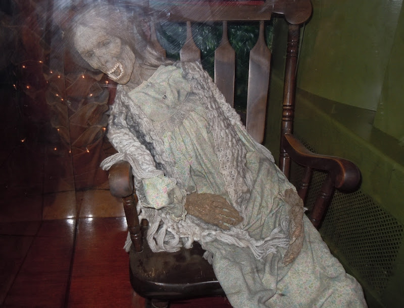 Norman Bates Mother prop Psycho IV