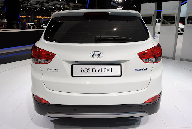 cars service first production hyundai ix35 fuel cell vehicle prepped for geneva. Black Bedroom Furniture Sets. Home Design Ideas