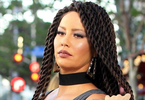 Amber Rose tries braids...you like?