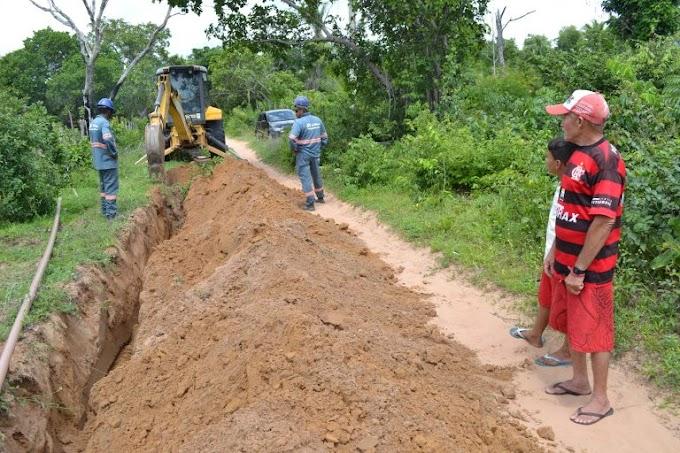 Famílias das zonas urbana e rural de Caxias são beneficiadas com a ampliação da rede de abastecimento de água