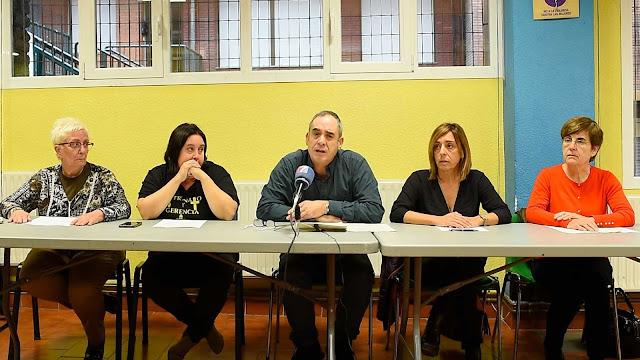 Representantes de familias y de extrabajadoras de la Fundación Miranda