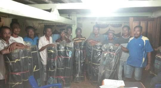 Kades Massungke, Serahkan Bantuan Pemberdayaan Petani Ke Warganya