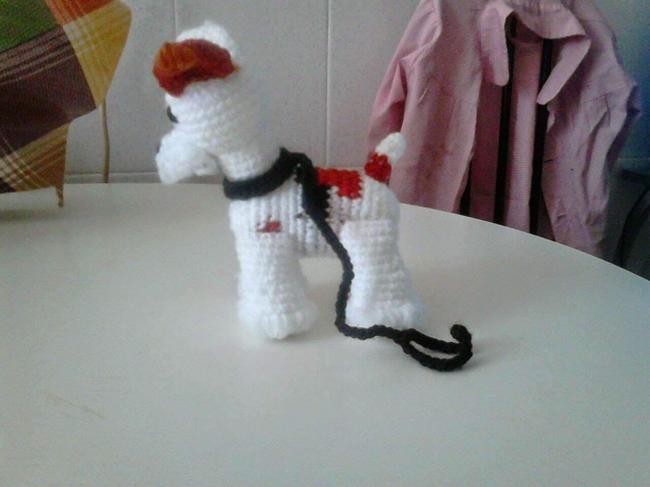 amigurumi fox terrier vista lateral