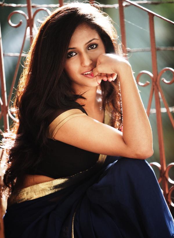 Gallery Nude Girls Sexy Aasheeka Saree Navel-2646