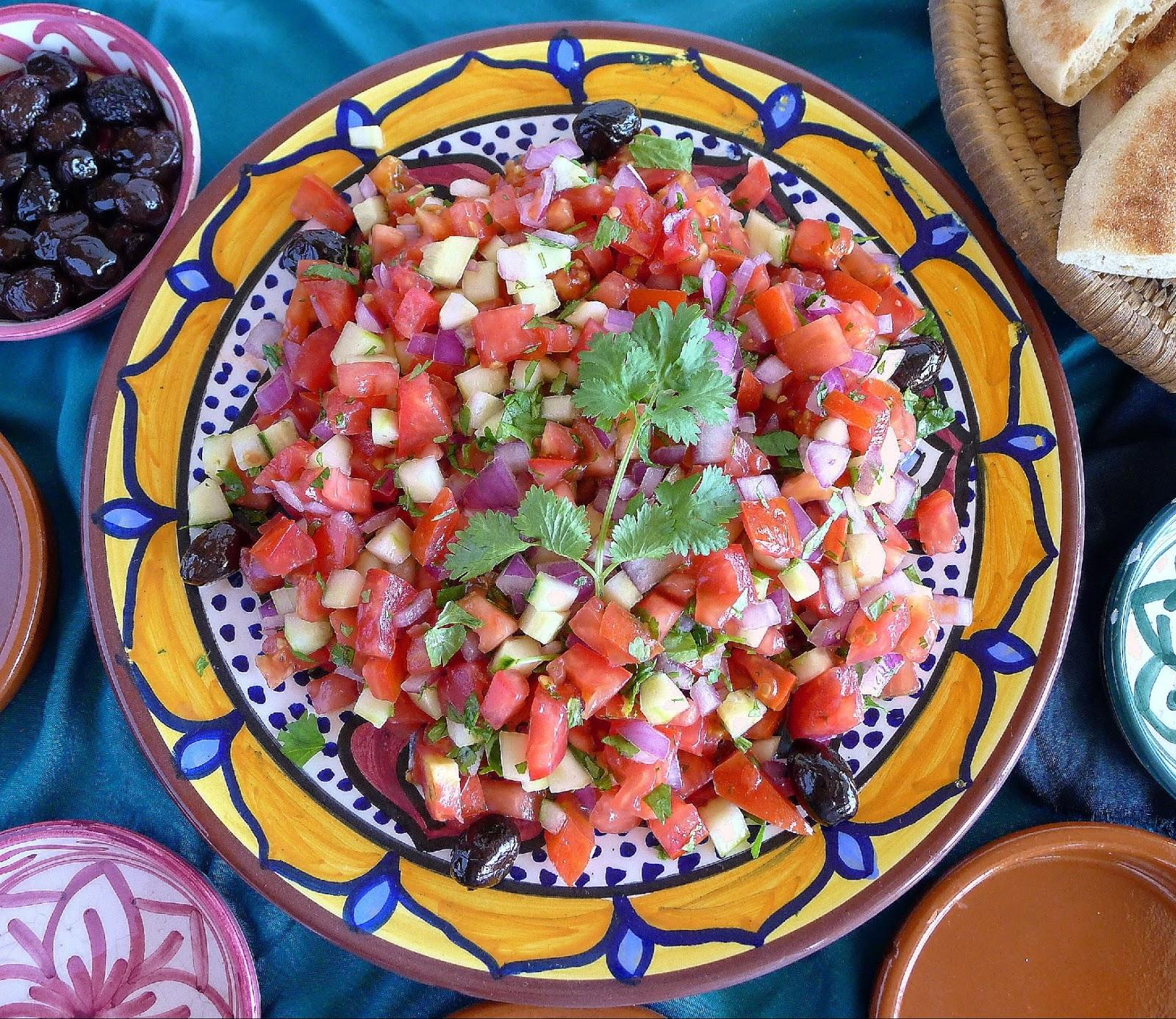 Moroccan Dinner Plate Salad Pasta Bowl Serving Spain White Black 10 Inch Medium