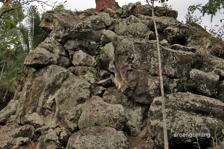 watu tumpang karangsambung kebumen