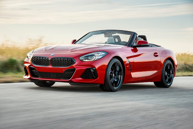 The New BMW Z4 Latest Photos, BMW Z4 Photos Gallery , The BMW Z4SV  interior and Exterior Pictures, BMW Z4 HD Wallpapers and Background Images