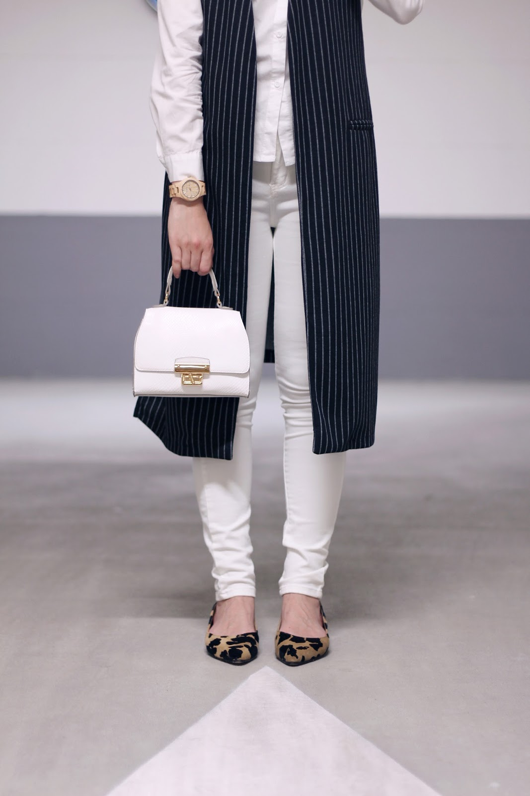 fashion style blogger outfit ootd italian girl italy trend vogue glamour pescara prospering flats ballerine shoes miss coquinas long gilet stripes urban white total look skirt cat collar aliexpress new look bag borsa camicia collo gatto word wood watch orologio legno braid hairstyle treccia capelli