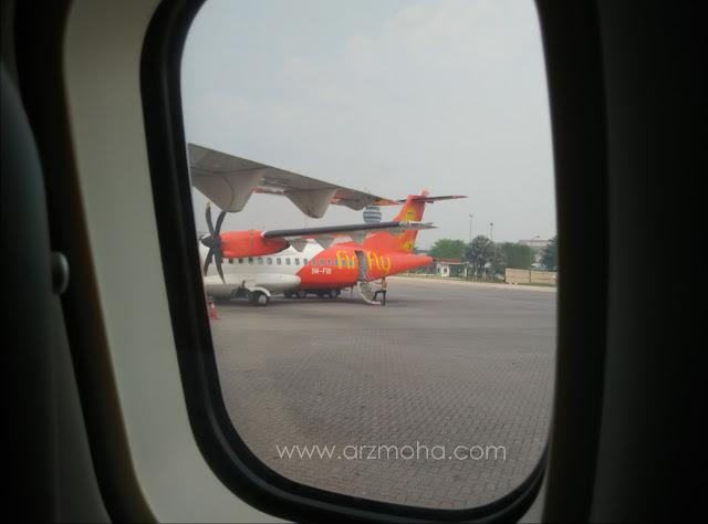 Firefly ATR 72-500, pesawat ringan firefly, firefly airlines, pengalaman pertama kanak-kanak menaiki pesawat firefly,