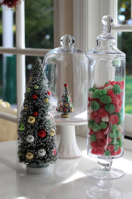 decorating-with-cloches-christmas-under-glass-dome