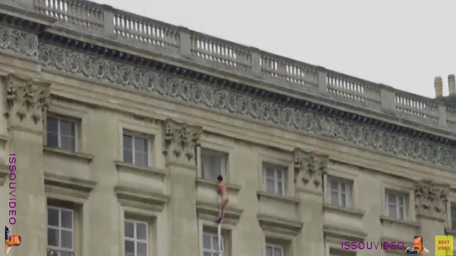 Buckingham Palace naked man  issouvideo