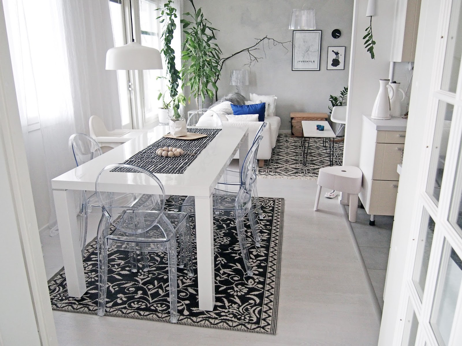 Se keittiön matto näyttää nyt tältä, mielipiteitä