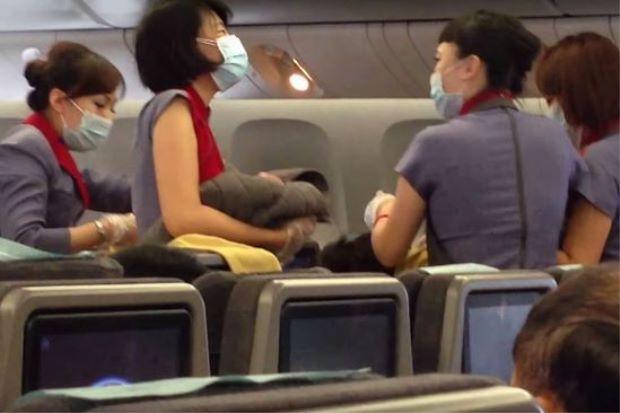 Kisah Unik Paling Dramatis Para Bayi yang Lahir di Dalam Pesawat di Dunia